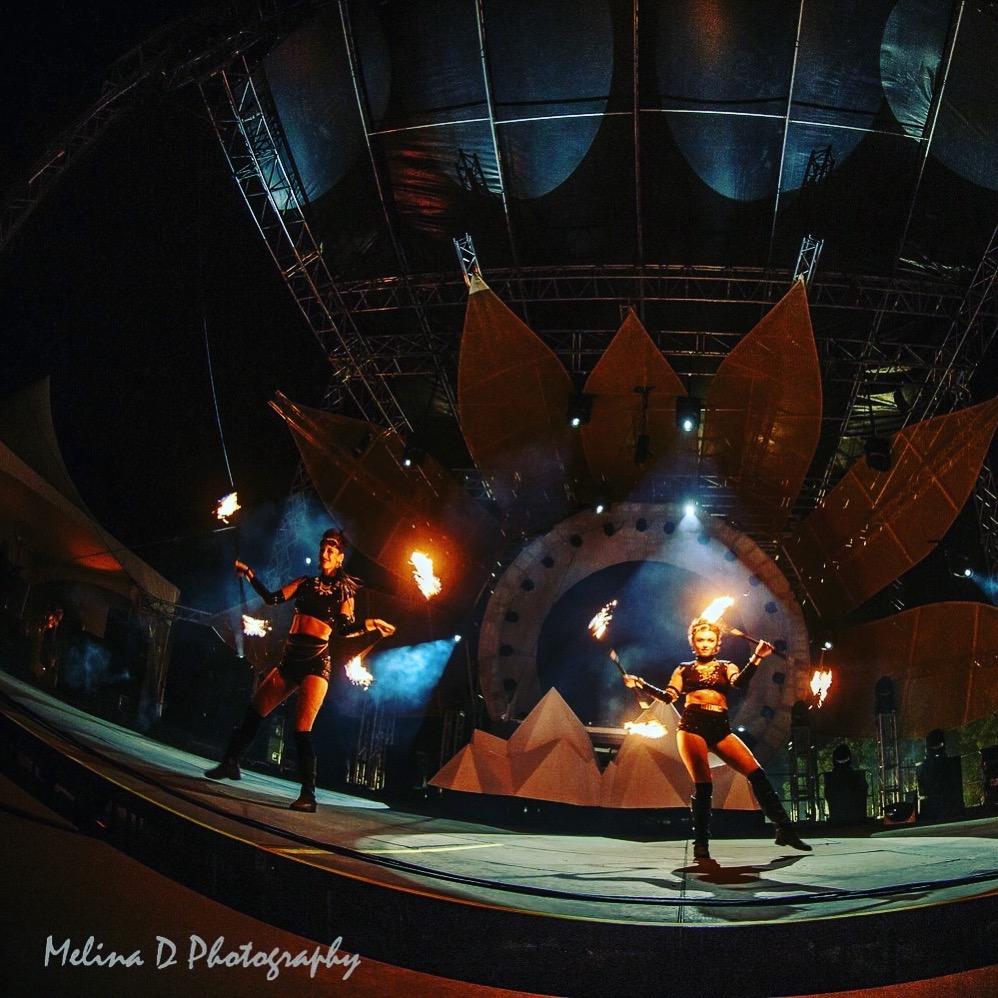 Fire_dancers_festival_best